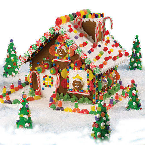high voltage christmas gingerbread house_lg